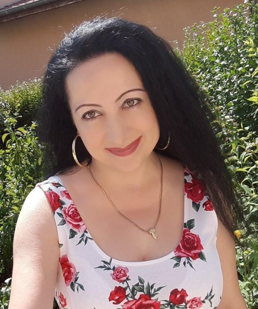 Сюзан Феимова - преподавател в Курс Уеб програмиране на PHP за начинаещи